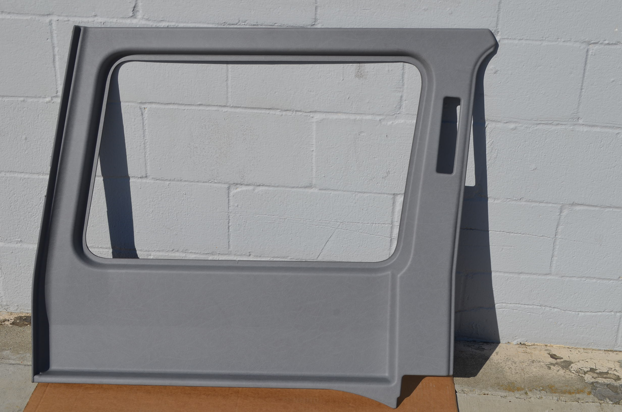 UPPER REAR SIDE PANEL - LWB - LEFT - BLACK
