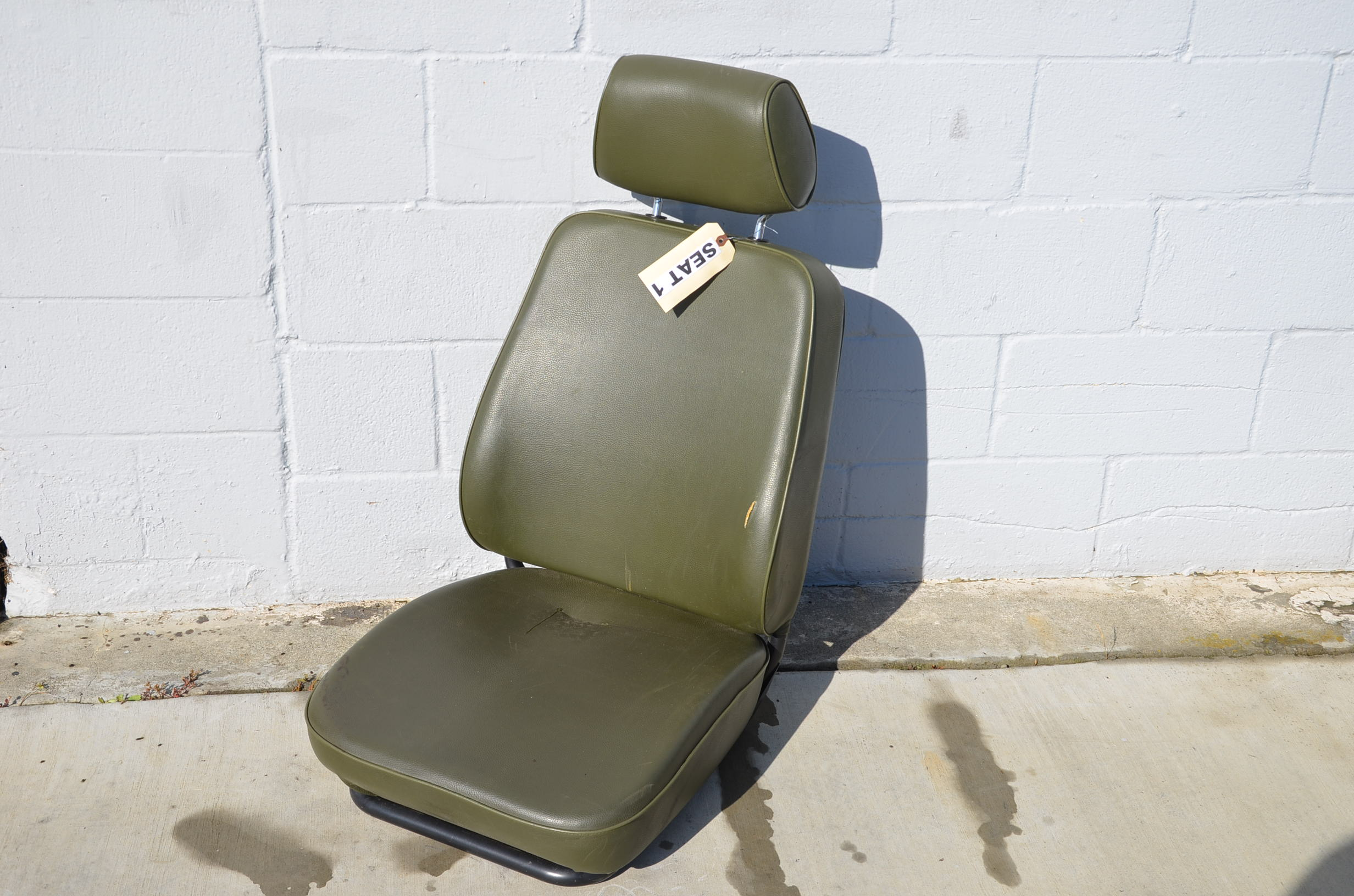 Green Seat 1 Rear Left Fixed Back