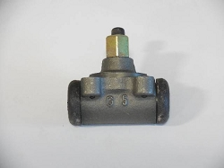 Rear Wheel Cylinder - 461 - Large