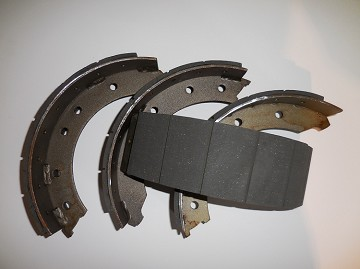 Brake Shoes (4) with new lining