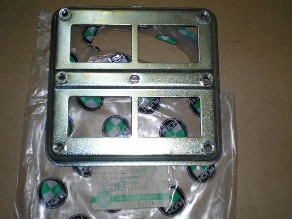 Plate For Circuit Breakers